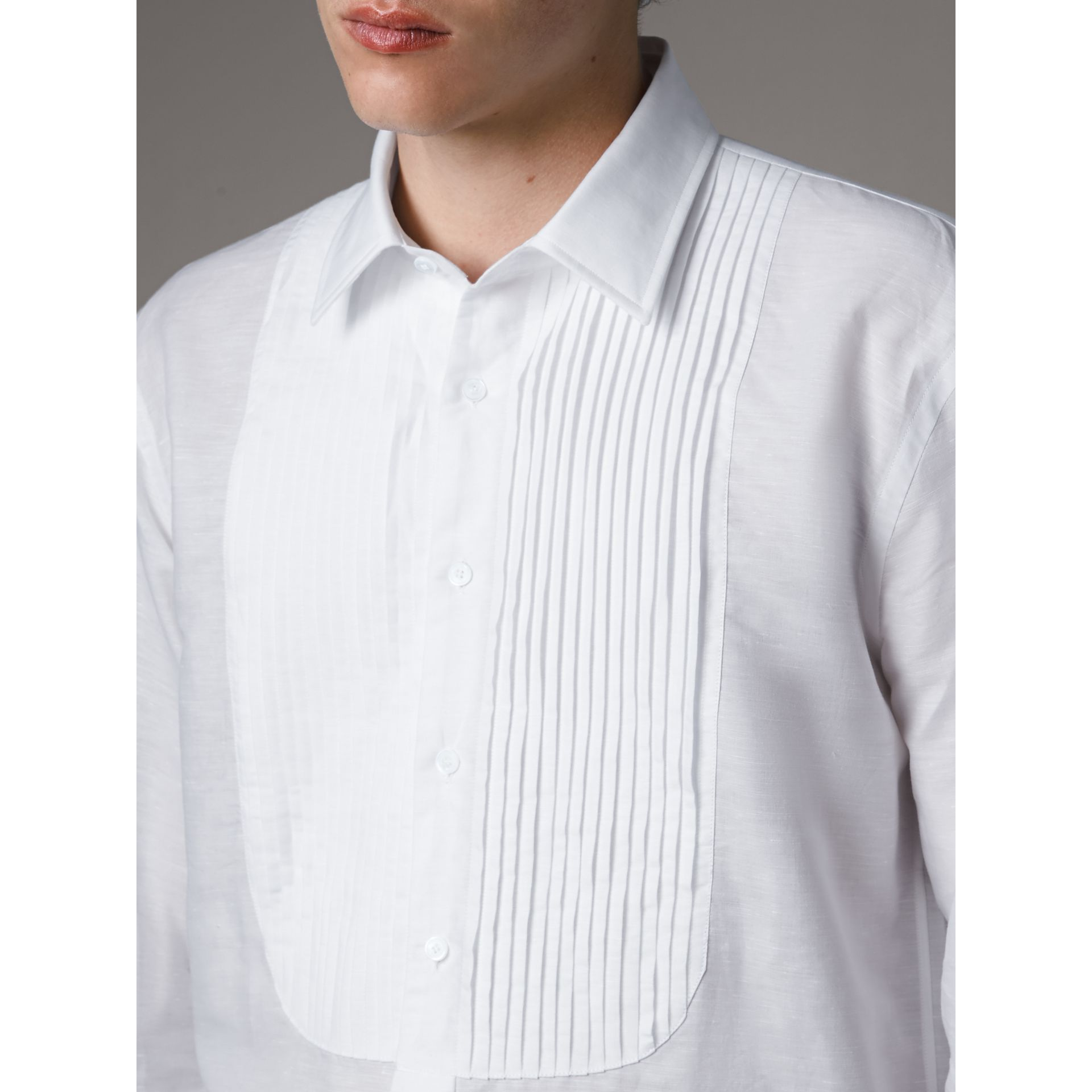 Modern Fit Linen Cotton Dress Shirt in White - Men | Burberry - gallery image 2