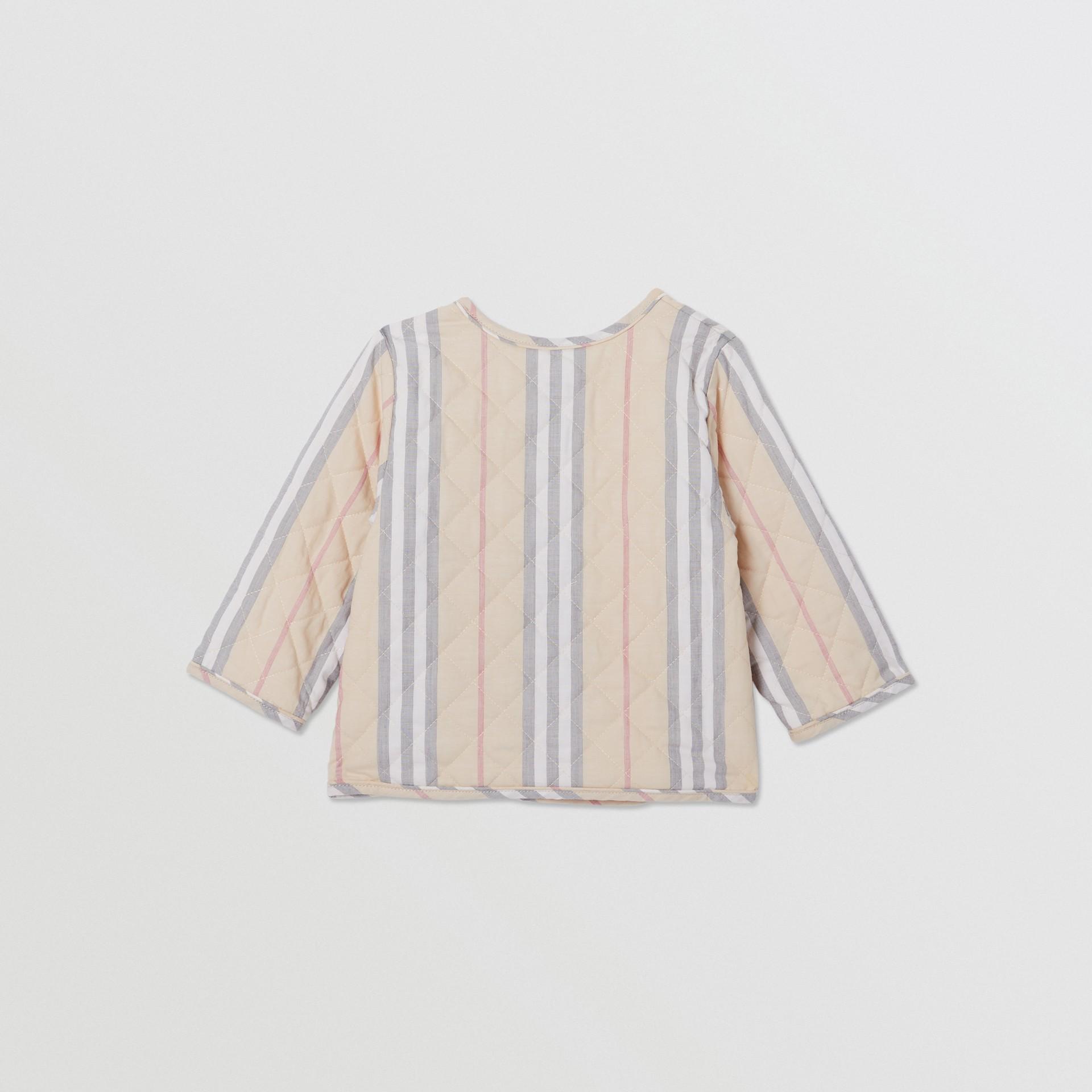 Chaqueta cruzada en algodón acolchado a rayas Icon Stripe (Piedra Pálido) - Niños | Burberry - imagen de la galería 3
