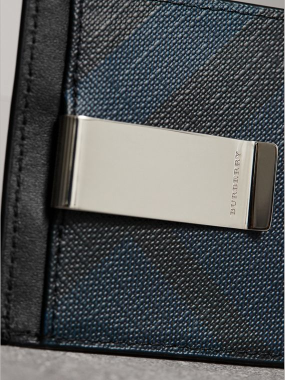 London Check Money Clip Card Case in Navy/black - Men | Burberry - cell image 3
