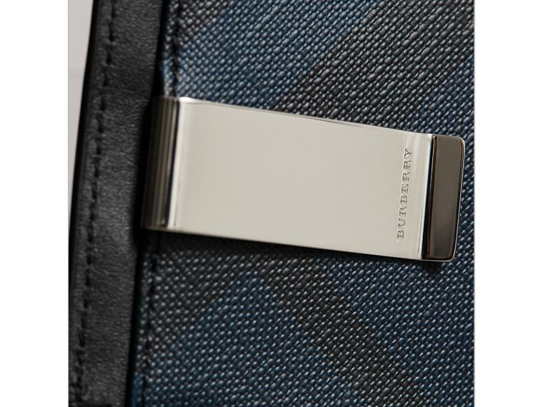 London Check Money Clip Card Case in Navy/black - Men | Burberry - cell image 2