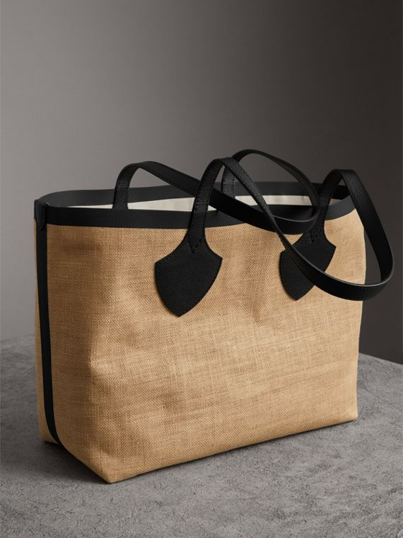 The Medium Giant Tote in Graphic Print Jute in Black - Women | Burberry - cell image 2