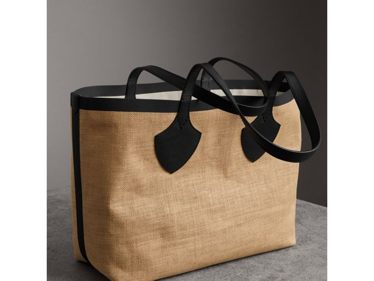 The Medium Giant Tote in Graphic Print Jute in Black - Women | Burberry - cell image 4