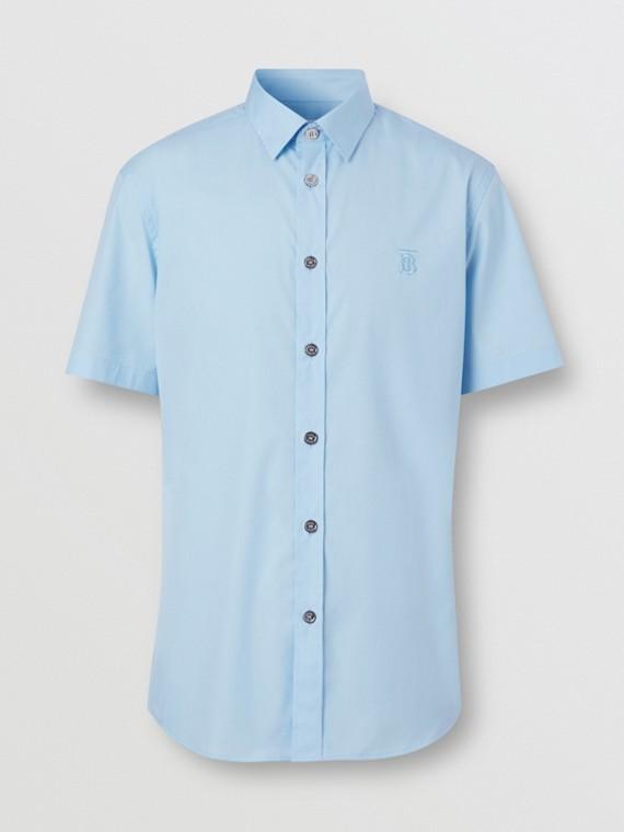 Camisa de manga corta en algodón elástico con detalle de monograma (Azul Pálido)