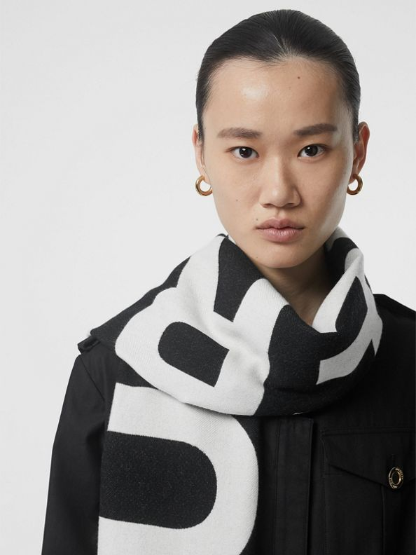 Logo Wool Scarf in Black/white