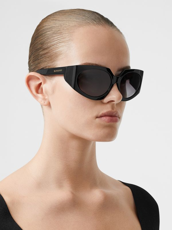 Geometric Frame Sunglasses in Black - Women | Burberry Canada - cell image 2