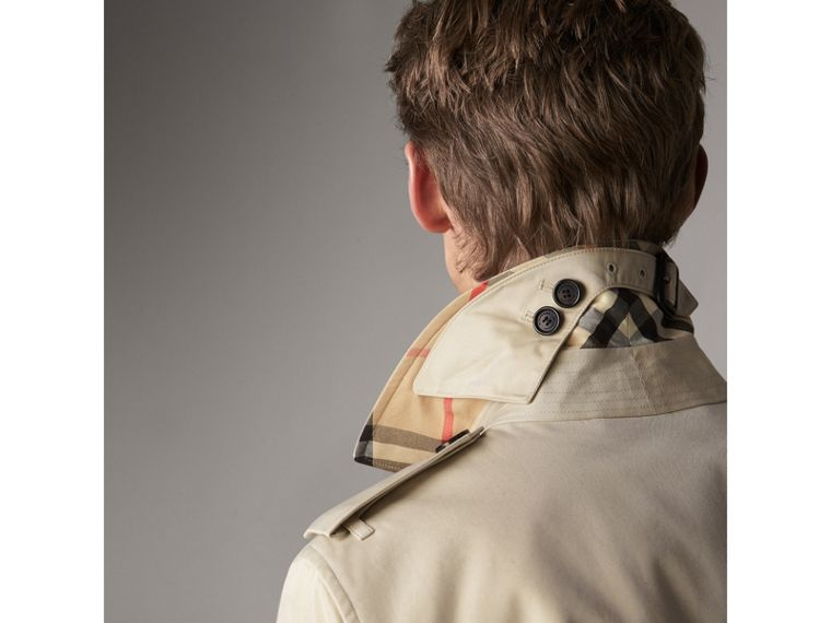 The Kensington – Long Trench Coat in Stone - Men | Burberry Singapore - cell image 1
