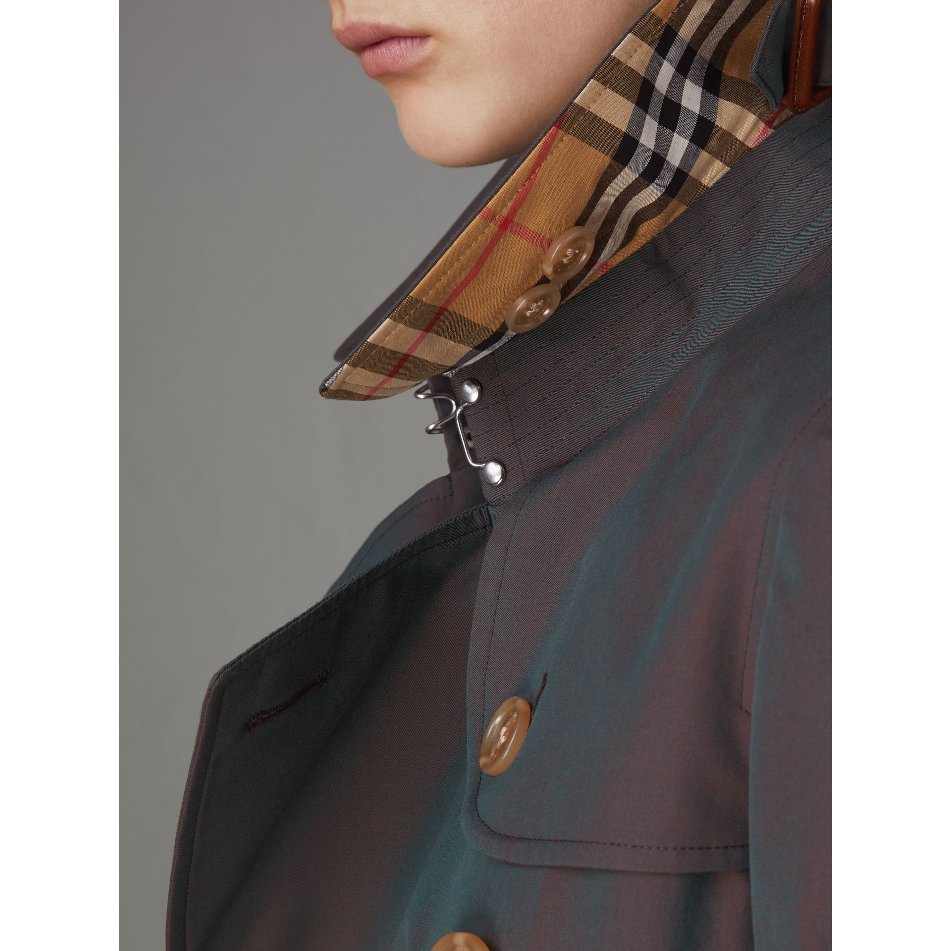 Tropical Gabardine Trench Coat in Dark Antique Green - Women | Burberry United States - gallery image 5