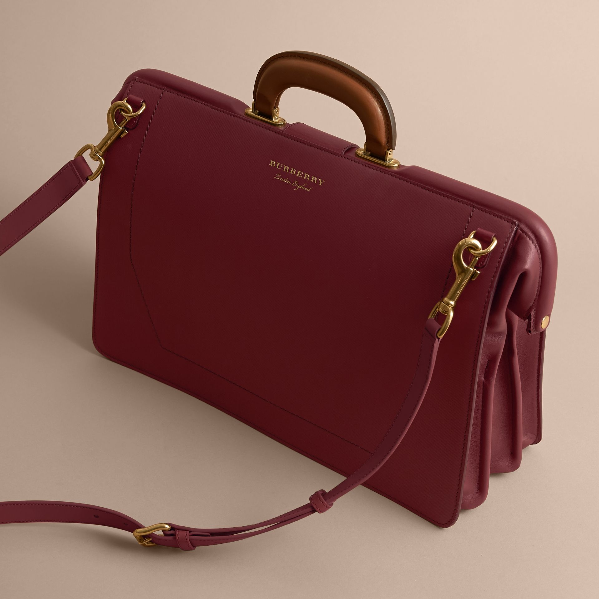 Sac docteur DK88 (Rouge Antique) - Homme | Burberry - photo de la galerie 4