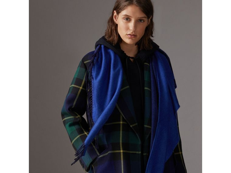 The Burberry Bandana in Cashmere in Navy/sapphire | Burberry - cell image 4