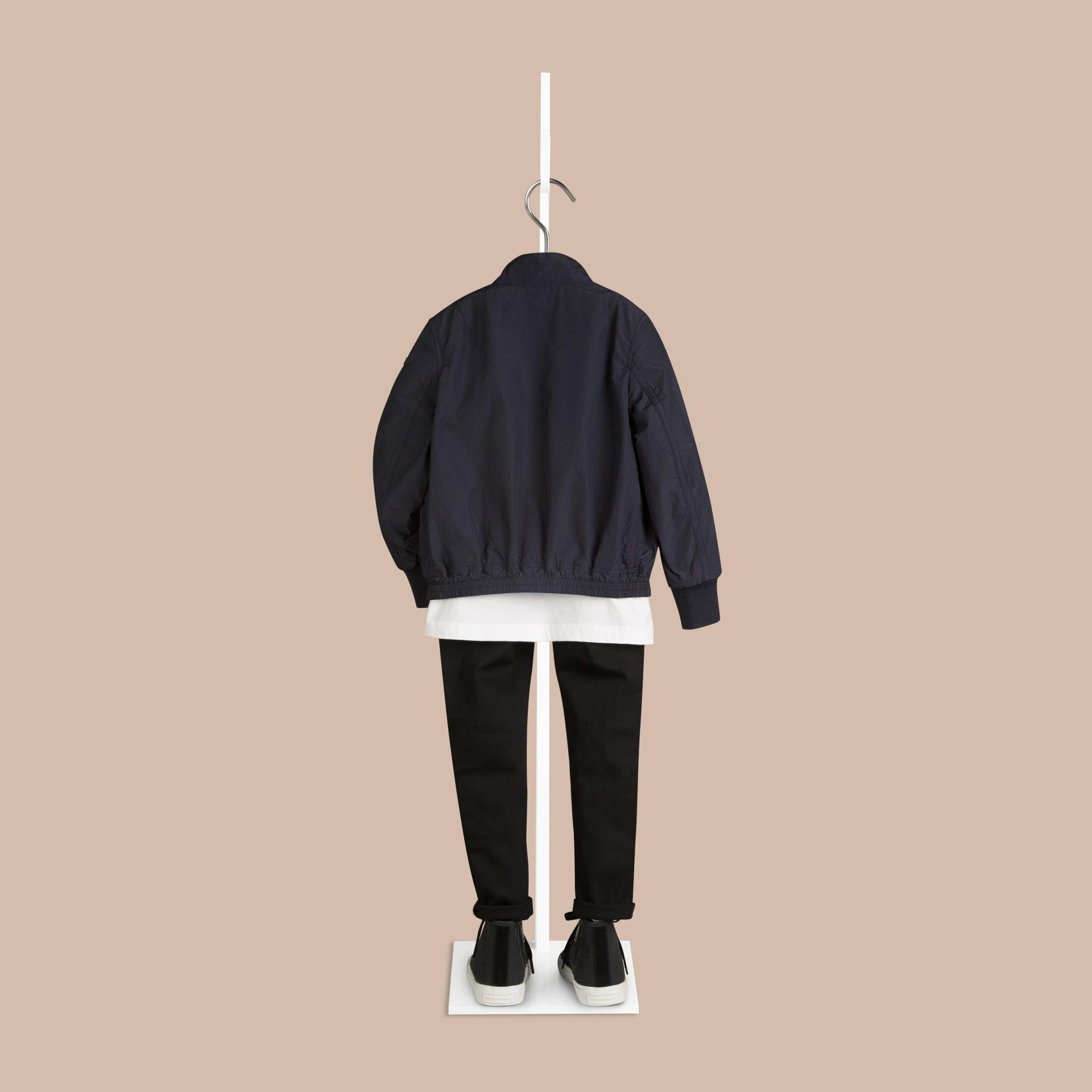 네이비 라이트 필드 재킷 - 갤러리 이미지 2