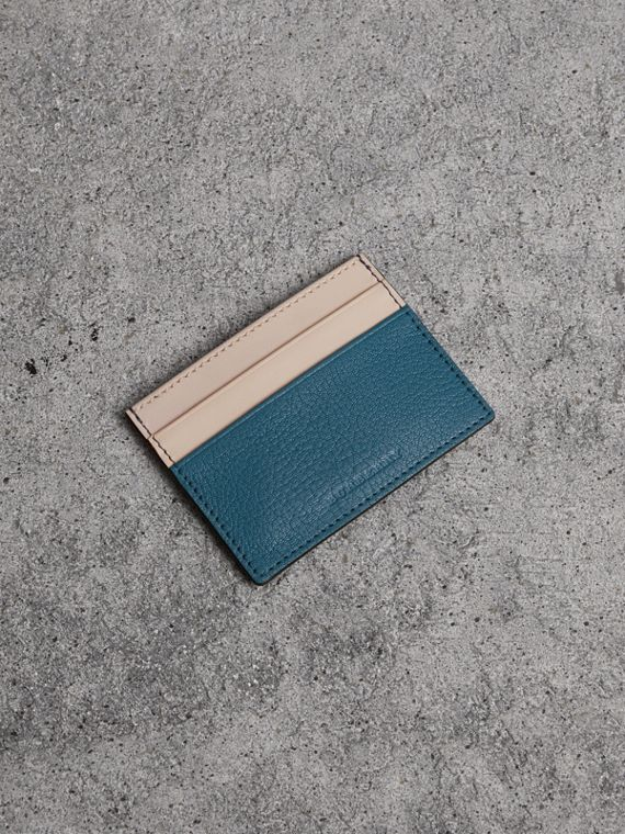 Tarjetero bicolor en piel (Azul Pavo Real)