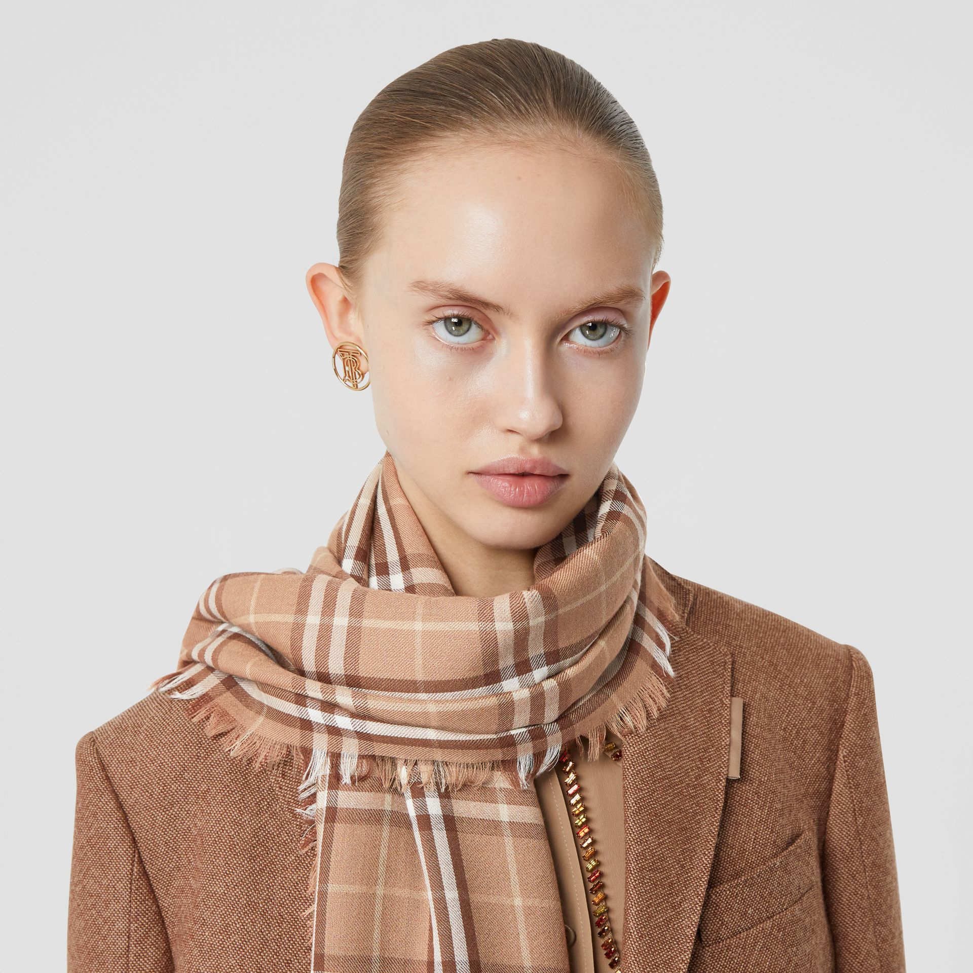 Vintage Check Lightweight Cashmere Scarf in Mid Camel | Burberry United Kingdom - gallery image 2