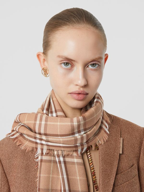 Vintage Check Lightweight Cashmere Scarf in Mid Camel | Burberry United Kingdom - cell image 2