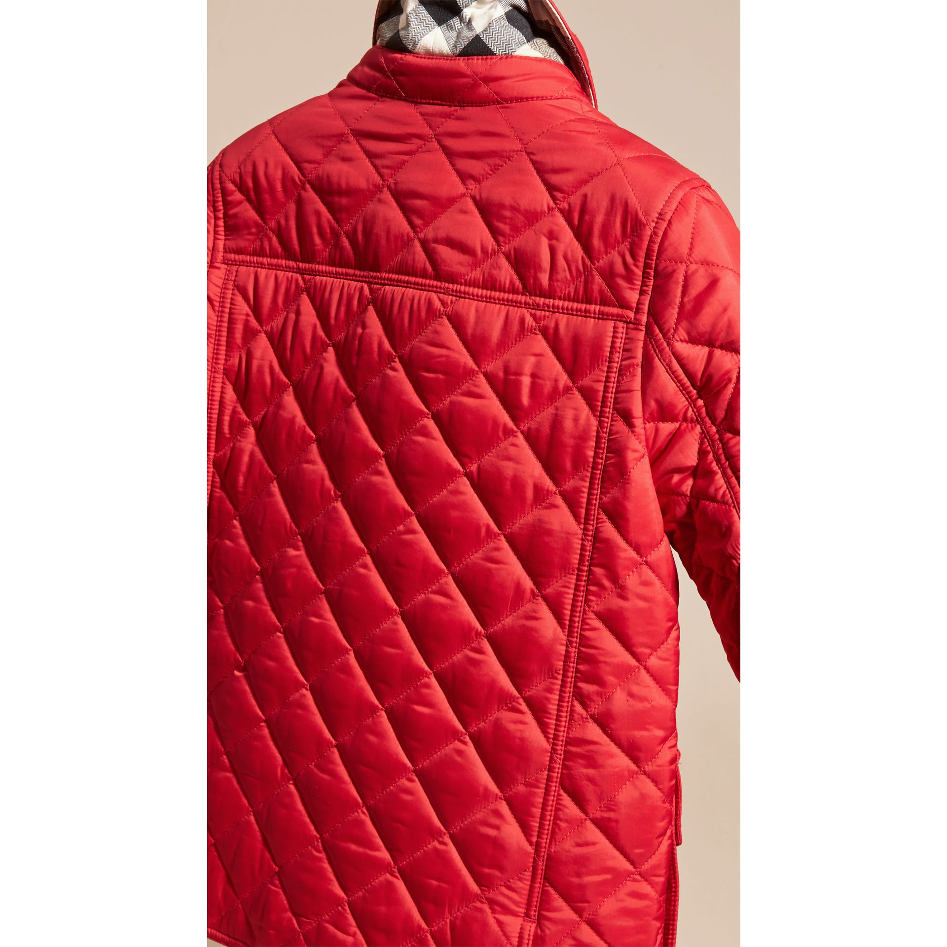 Detachable Hood Lightweight Quilted Jacket in Bright Cherry Red - gallery image 4