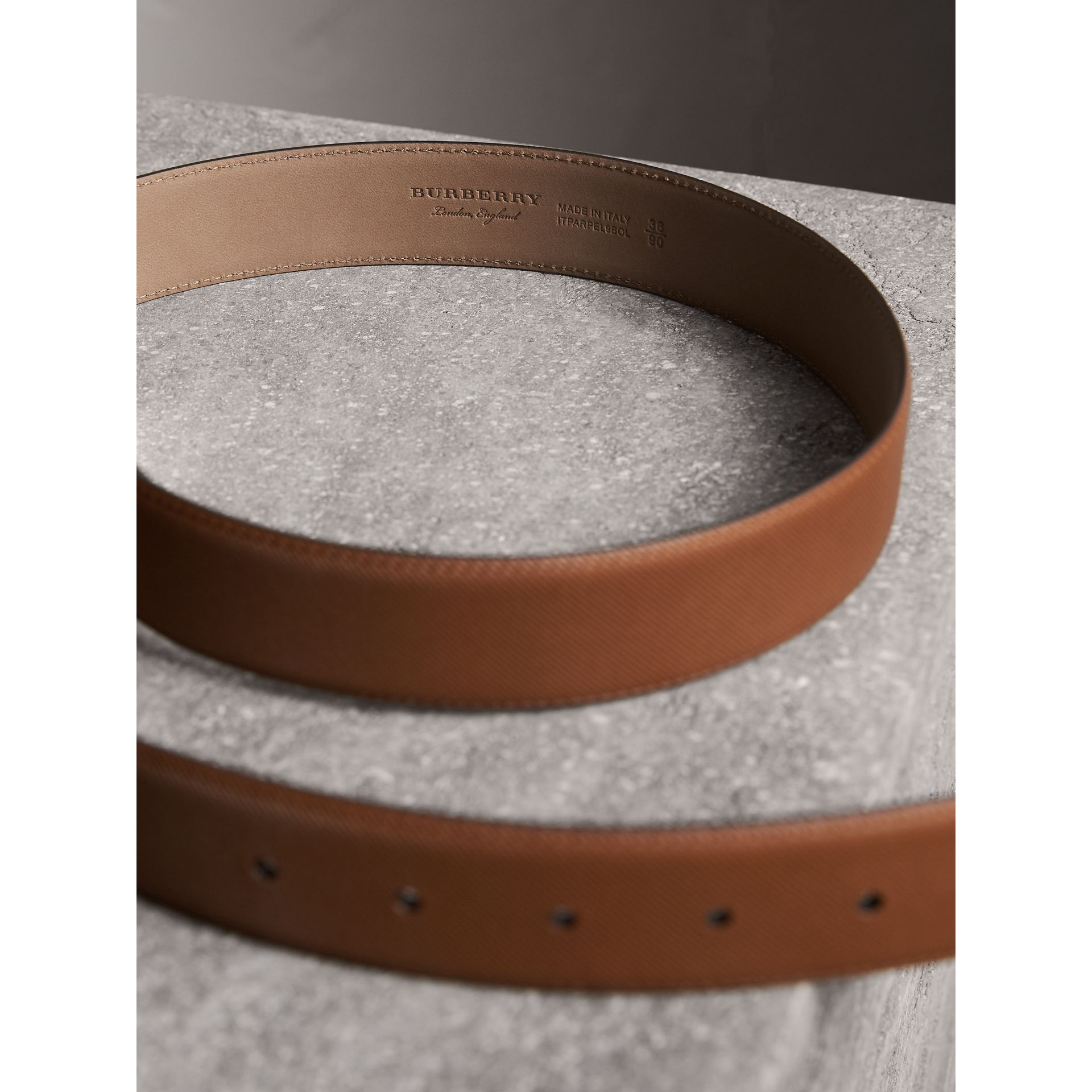 Brass Plaque Buckle Trench Leather Belt in Tan - Men | Burberry United Kingdom - gallery image 3