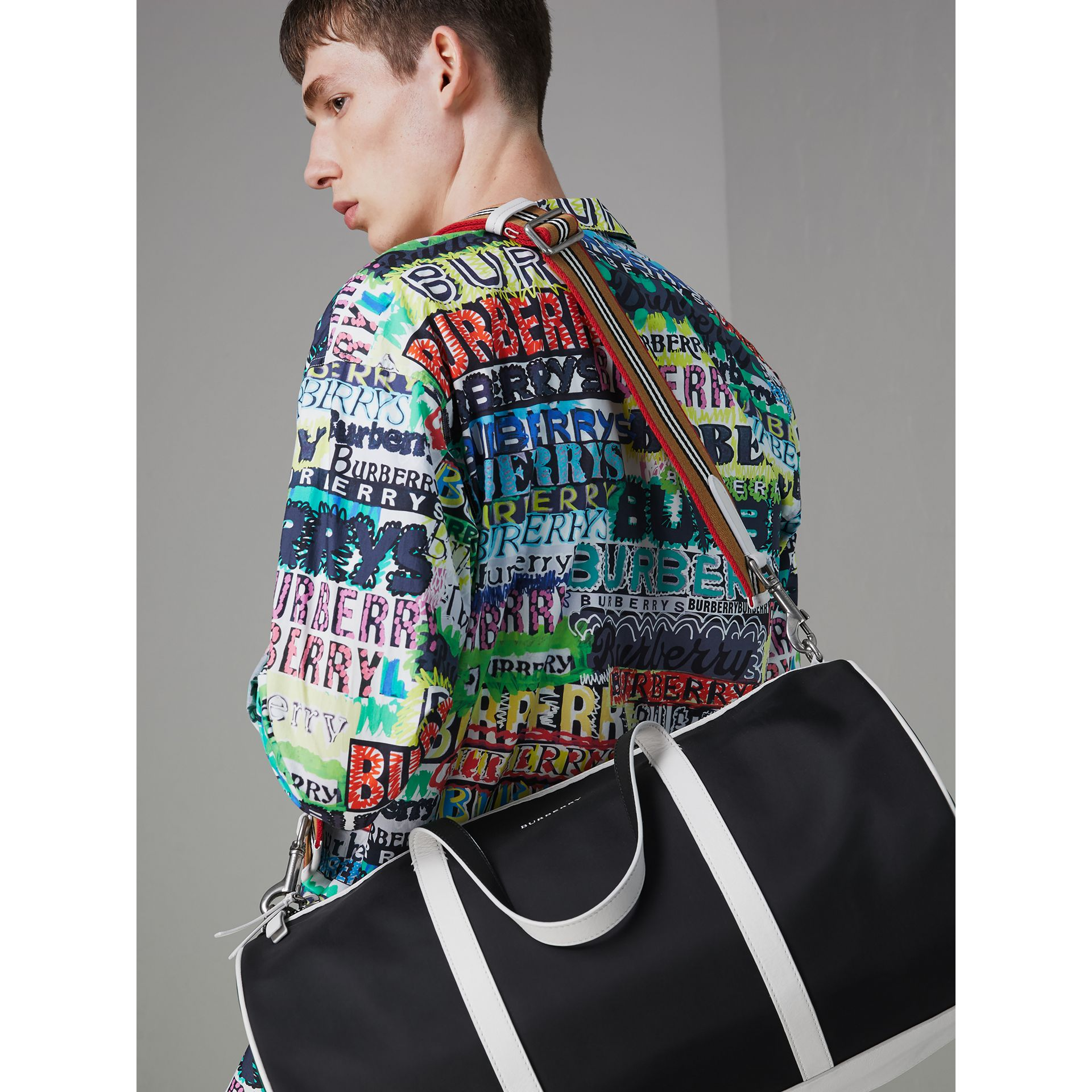 Sac The Barrel moyen en nylon et cuir tricolore (Noir) - Homme | Burberry Canada - photo de la galerie 3