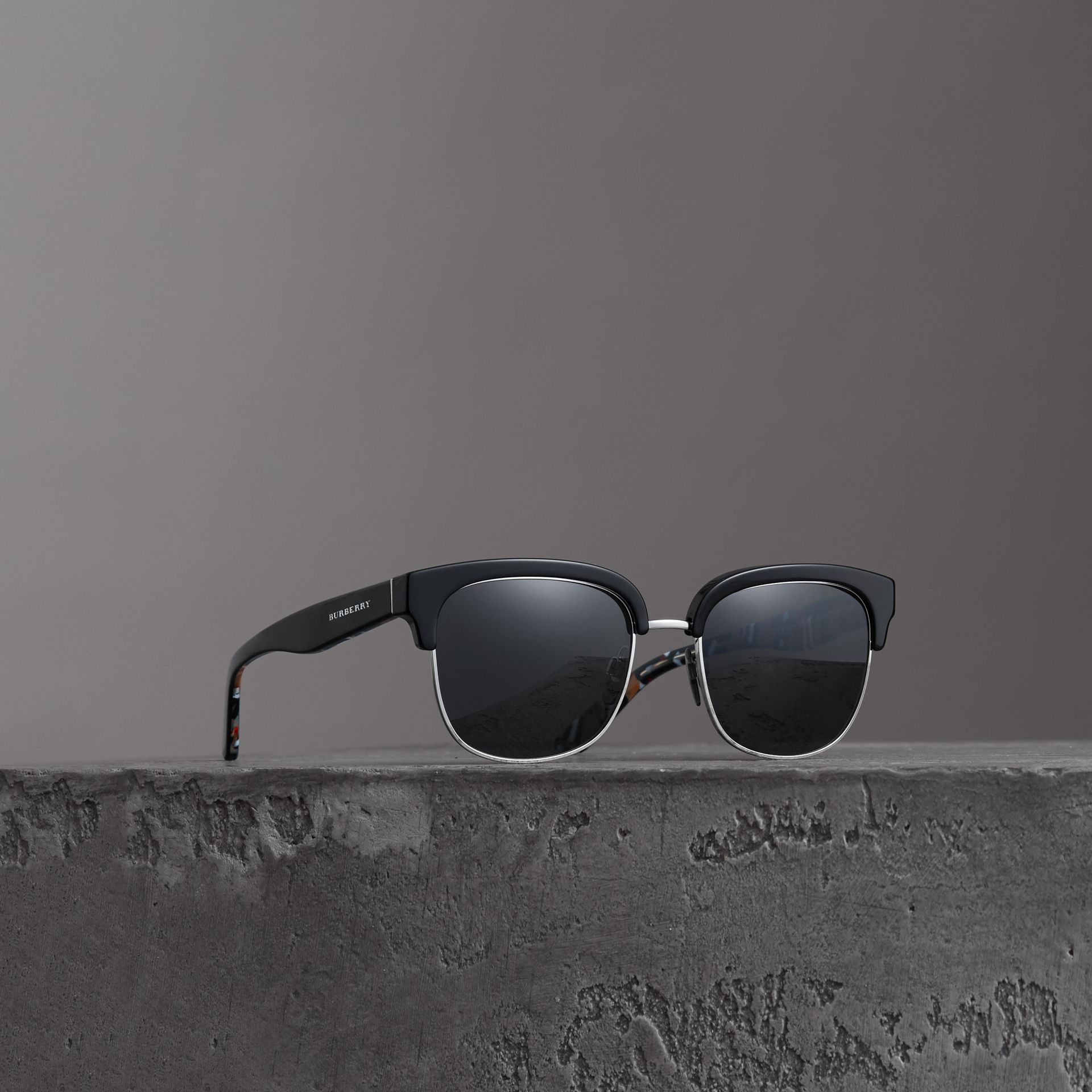 Check Detail D-frame Sunglasses in Black - Men | Burberry Hong Kong - gallery image 0