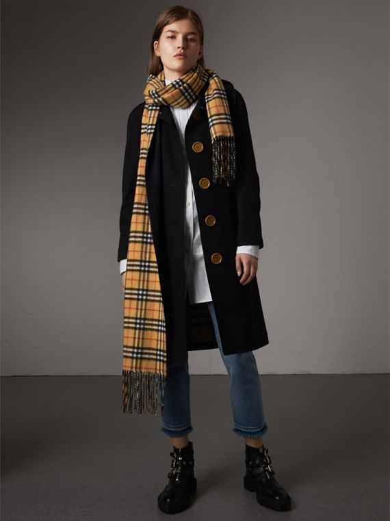 Long Reversible Vintage Check Double-faced Cashmere Scarf in Blue Carbon | Burberry United Kingdom - cell image 2