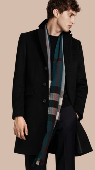 Manteau en laine et cachemire avec col en velours