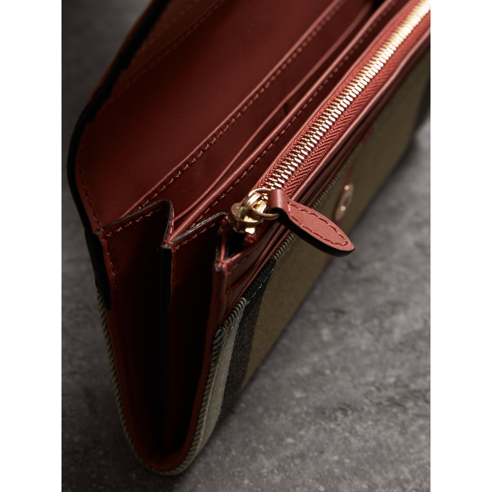 House Check And Leather Continental Wallet in Cinnamon Red - Women | Burberry Canada - gallery image 4