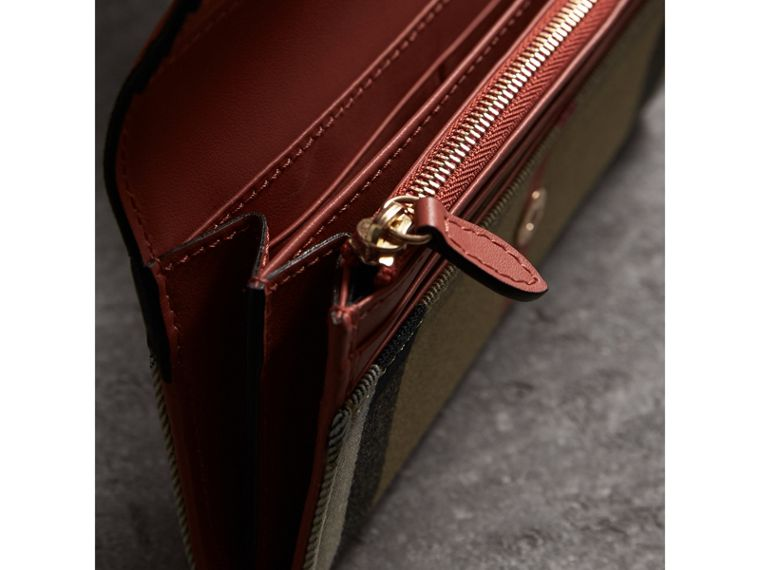 House Check And Leather Continental Wallet in Cinnamon Red - Women | Burberry - cell image 4