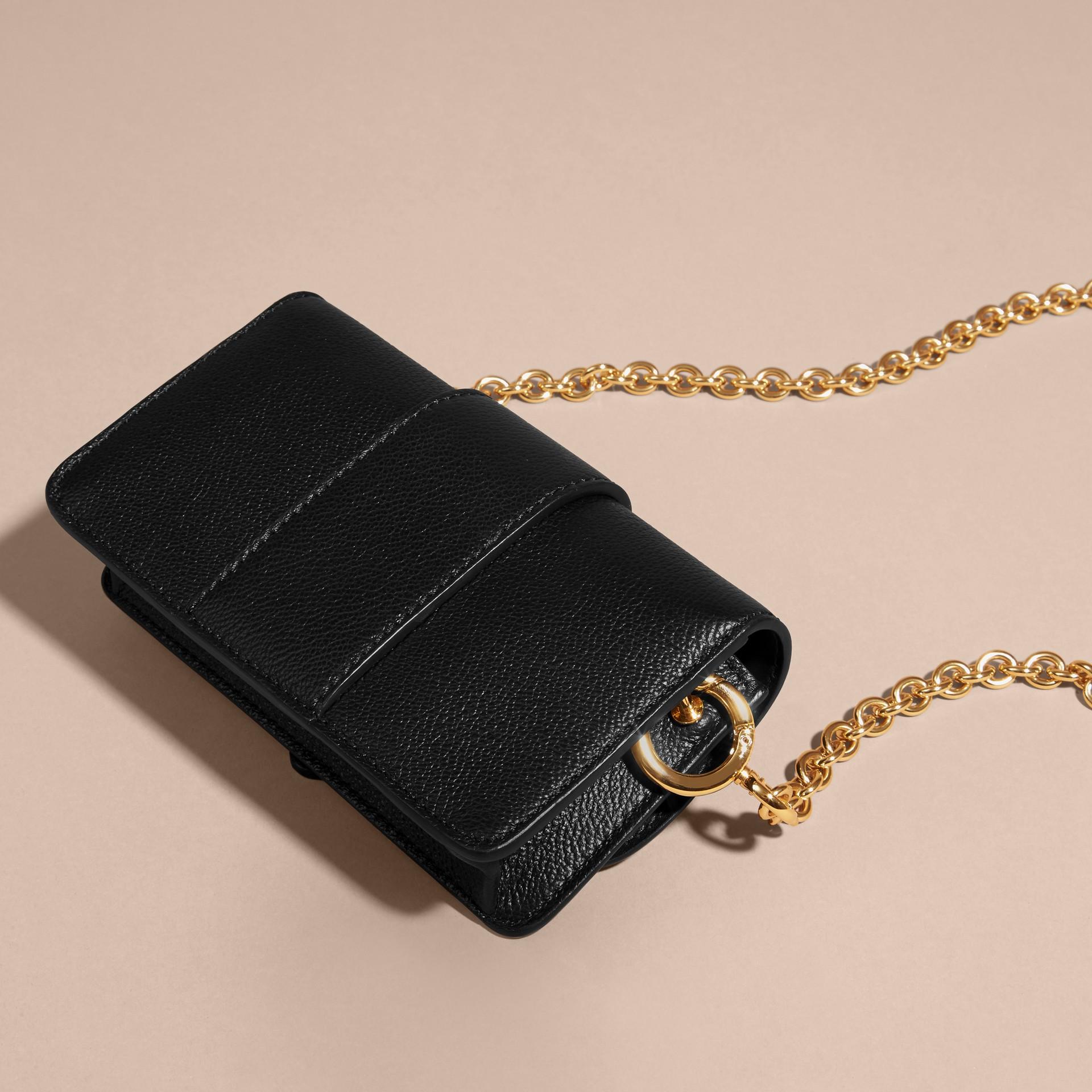 Mini sac The Buckle en cuir grainé Noir - photo de la galerie 5