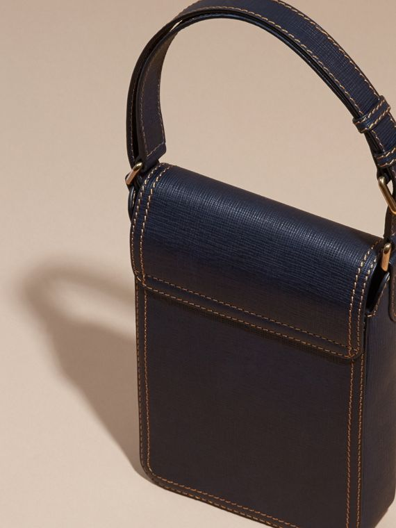 Navy scuro The Satchel piccola in pelle effetto texture - cell image 3