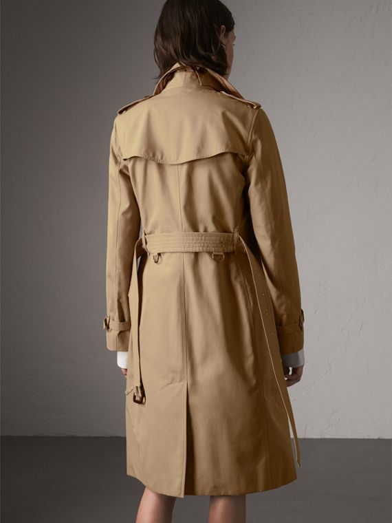 The Kensington – Extra-long Heritage Trench Coat in Honey - Women | Burberry Hong Kong - cell image 2
