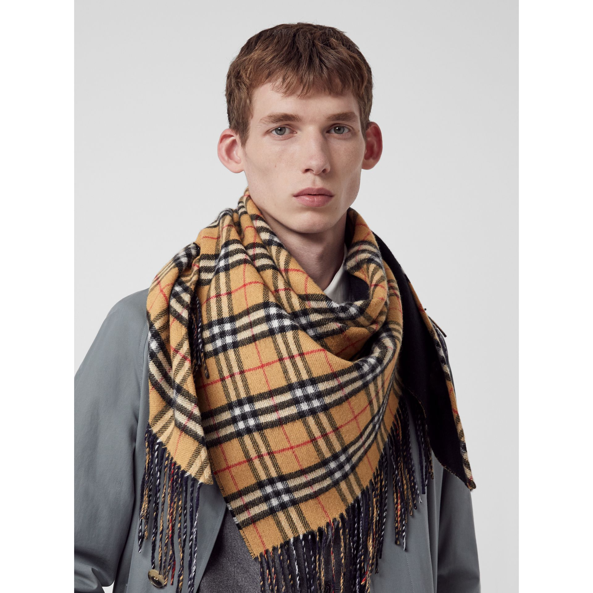 The Burberry Bandana in Vintage Check Cashmere in Blue Carbon | Burberry - gallery image 6