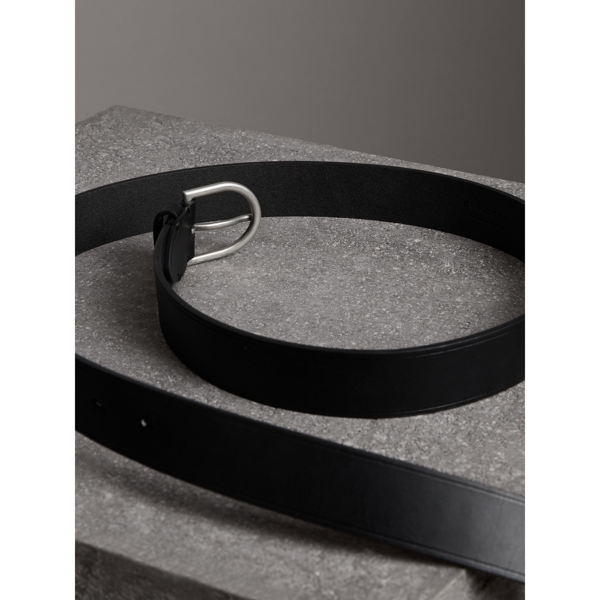 Bridle Leather Belt in Black - Men | Burberry United Kingdom - gallery image 3
