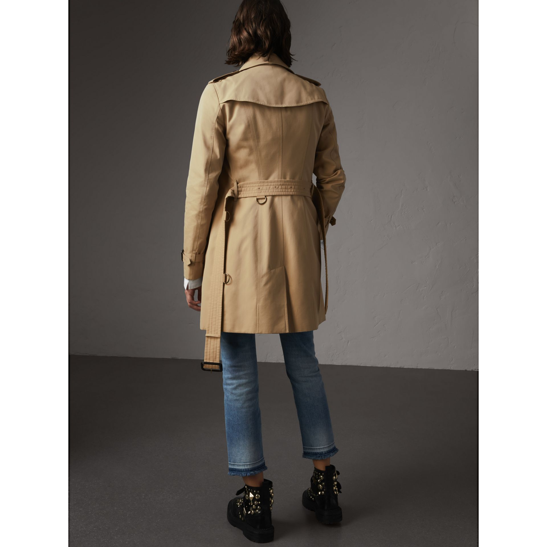 The Sandringham - Trench coat medio (Miele) - Donna | Burberry - immagine della galleria 3