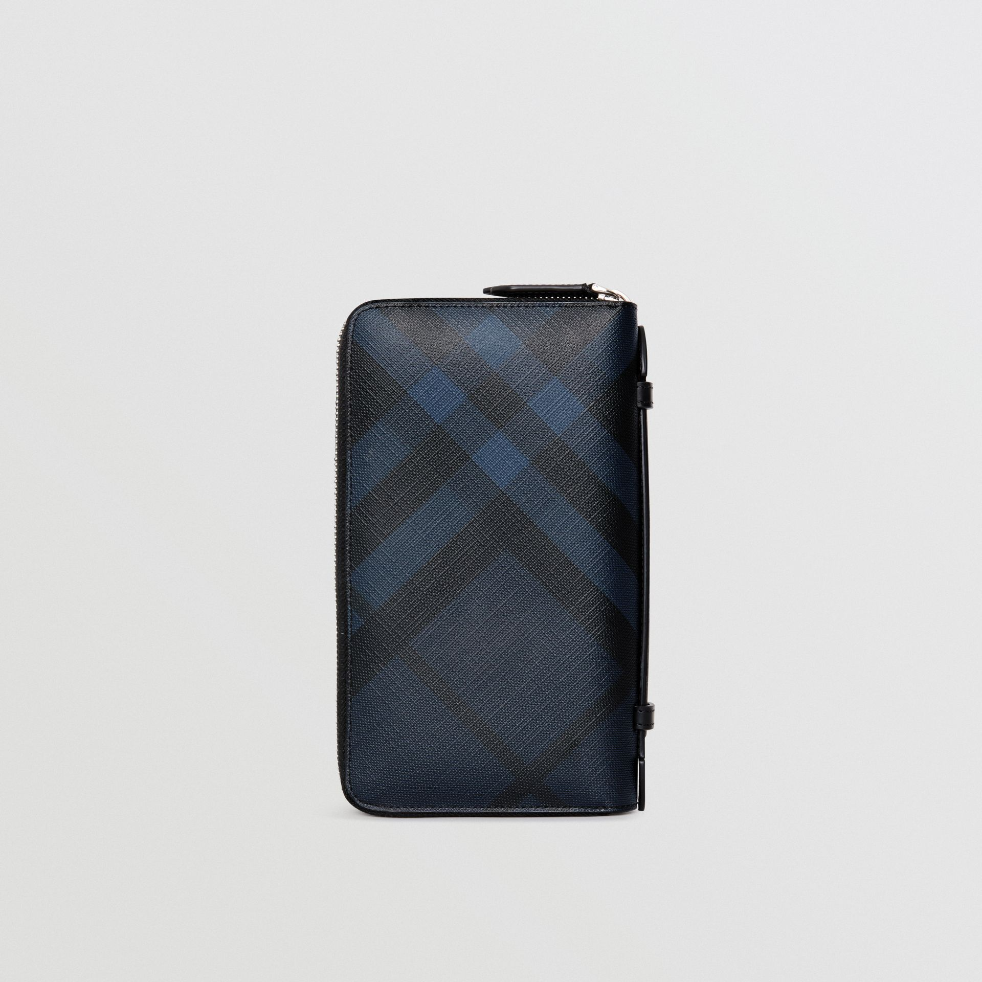 London Check Travel Wallet in Navy/black - Men | Burberry United Kingdom - gallery image 2