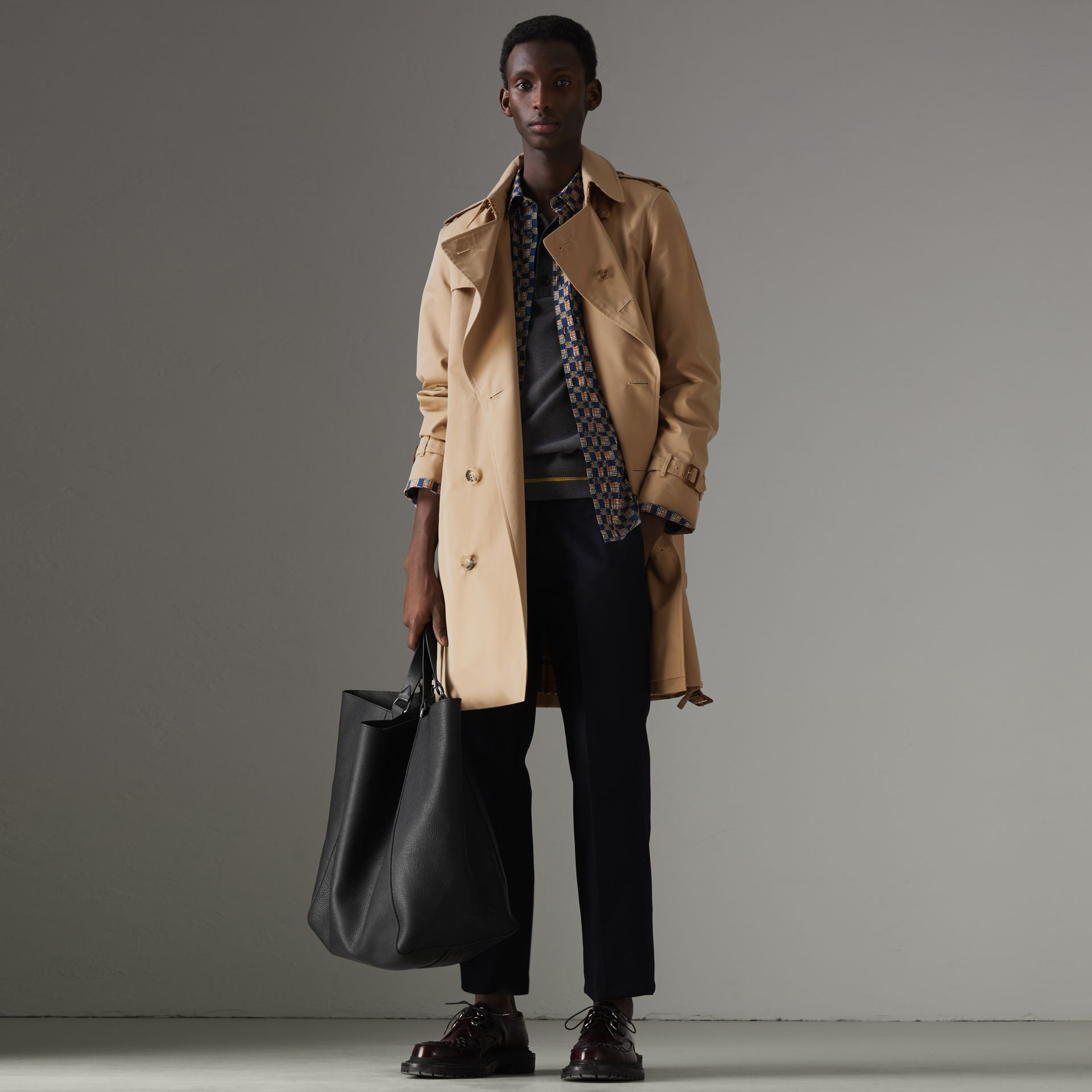 The Chelsea Heritage Trench Coat in Honey - Men | Burberry United Kingdom - gallery image 0