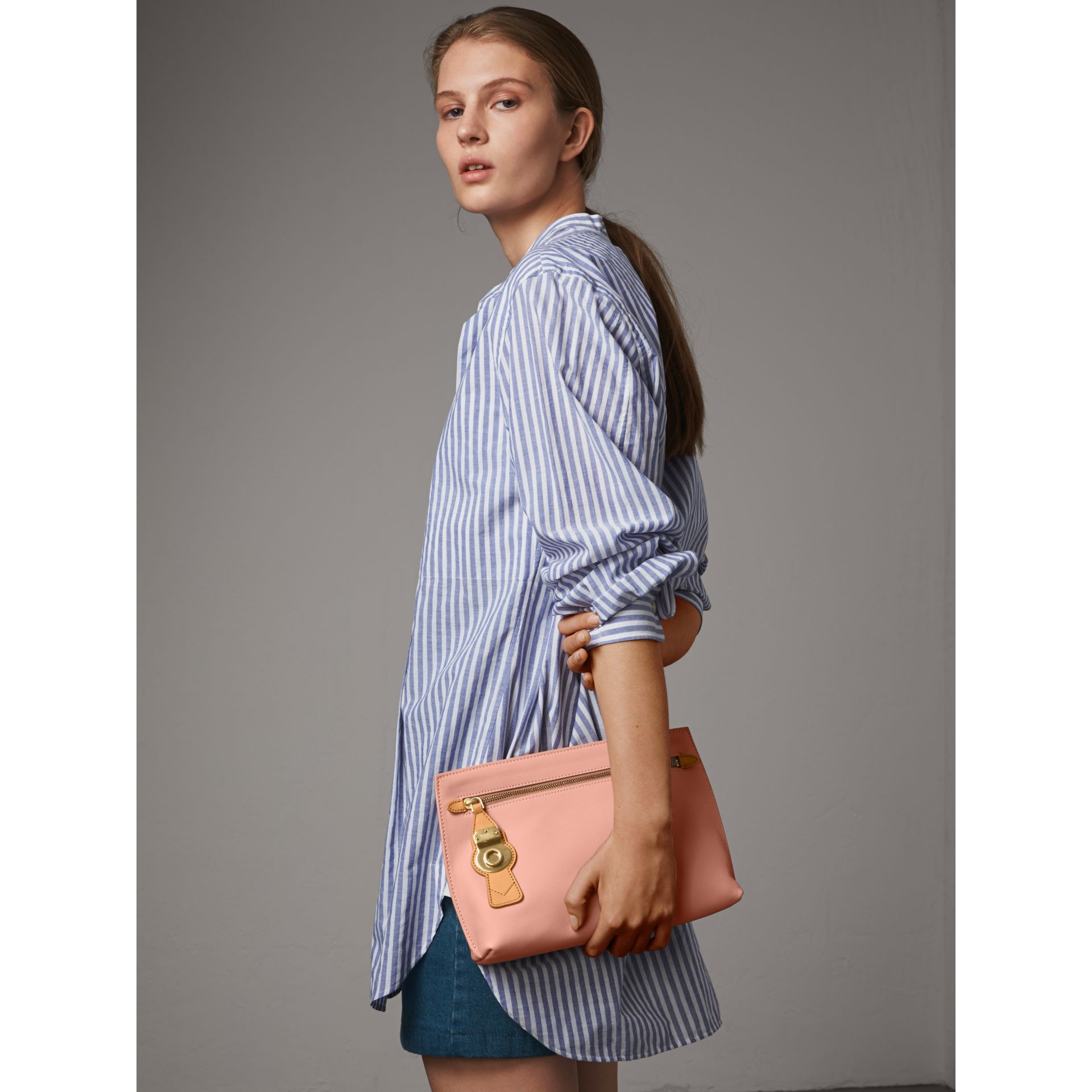Two-tone Trench Leather Wristlet Pouch in Ash Rose/pale Clementine - Women | Burberry United Kingdom - gallery image 2