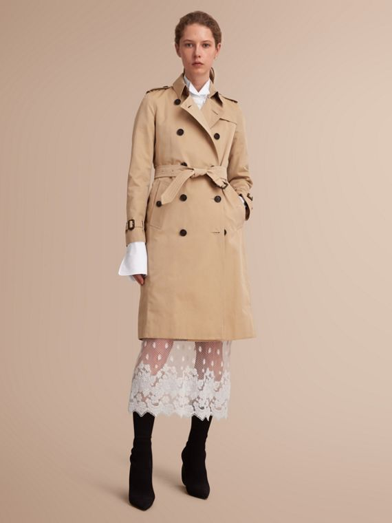 The Kensington – Extra-long Heritage Trench Coat in Honey - Women | Burberry Singapore