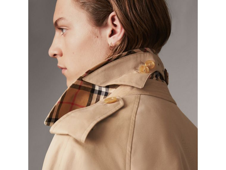 Bird Button Cotton Gabardine Trench Coat in Honey - Men | Burberry Singapore - cell image 4