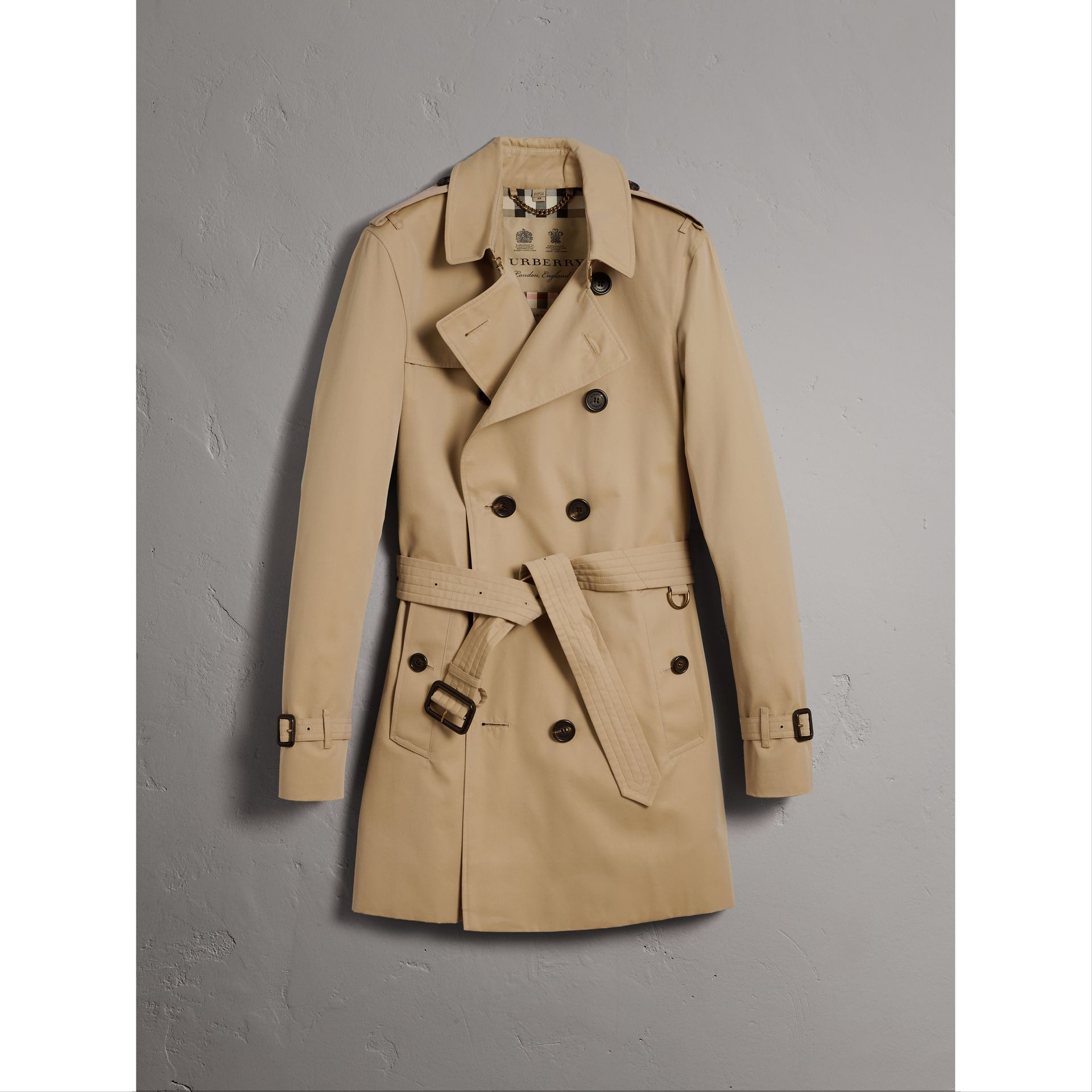 The Sandringham – Mid-length Trench Coat in Honey - Men | Burberry Singapore - gallery image 3