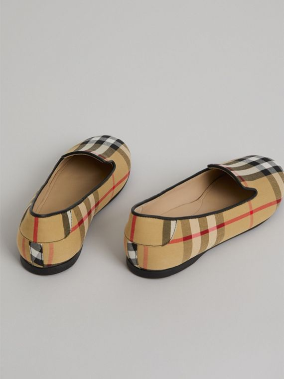 Vintage Check Slippers in Antique Yellow - Girl | Burberry - cell image 2