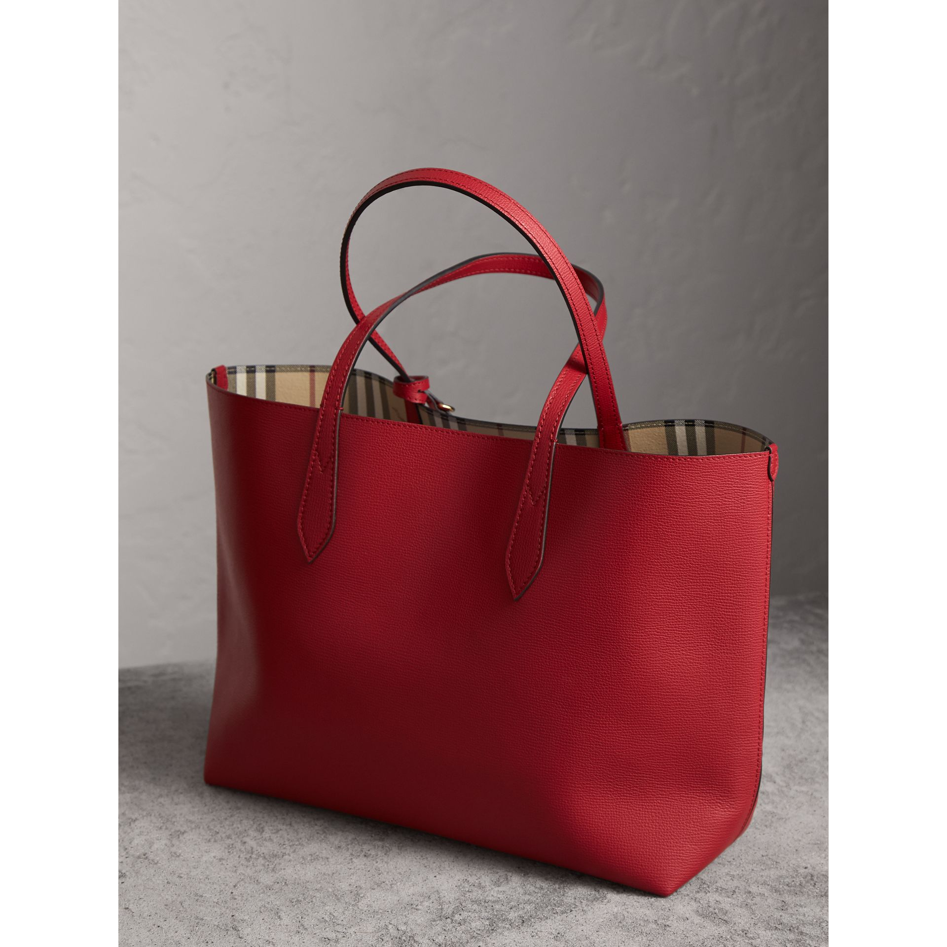 The Medium Reversible Tote in Haymarket Check and Leather in Poppy Red - Women | Burberry Singapore - gallery image 5