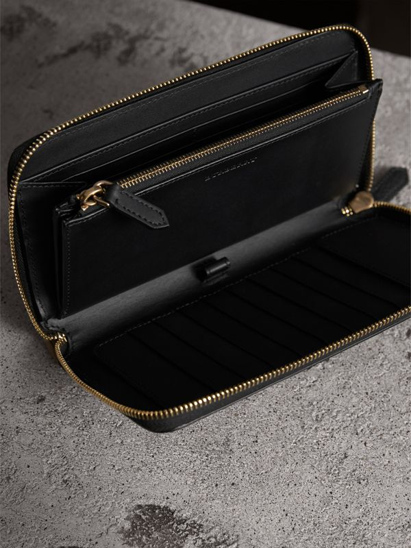 House Check and Grainy Leather Ziparound Wallet in Black | Burberry United Kingdom - cell image 3