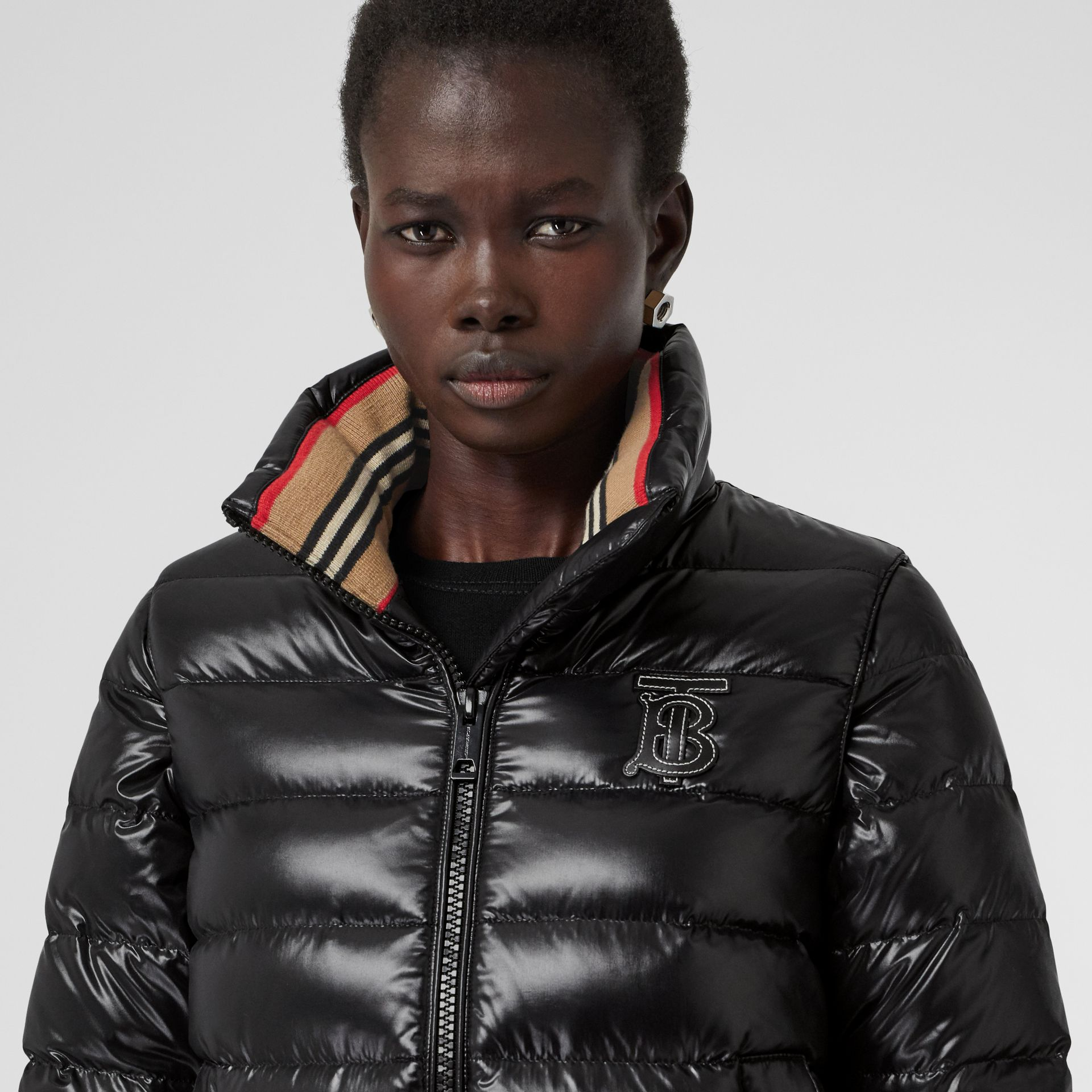 Detachable Sleeve Icon Stripe Detail Puffer Jacket in Black - Women | Burberry Australia - gallery image 5