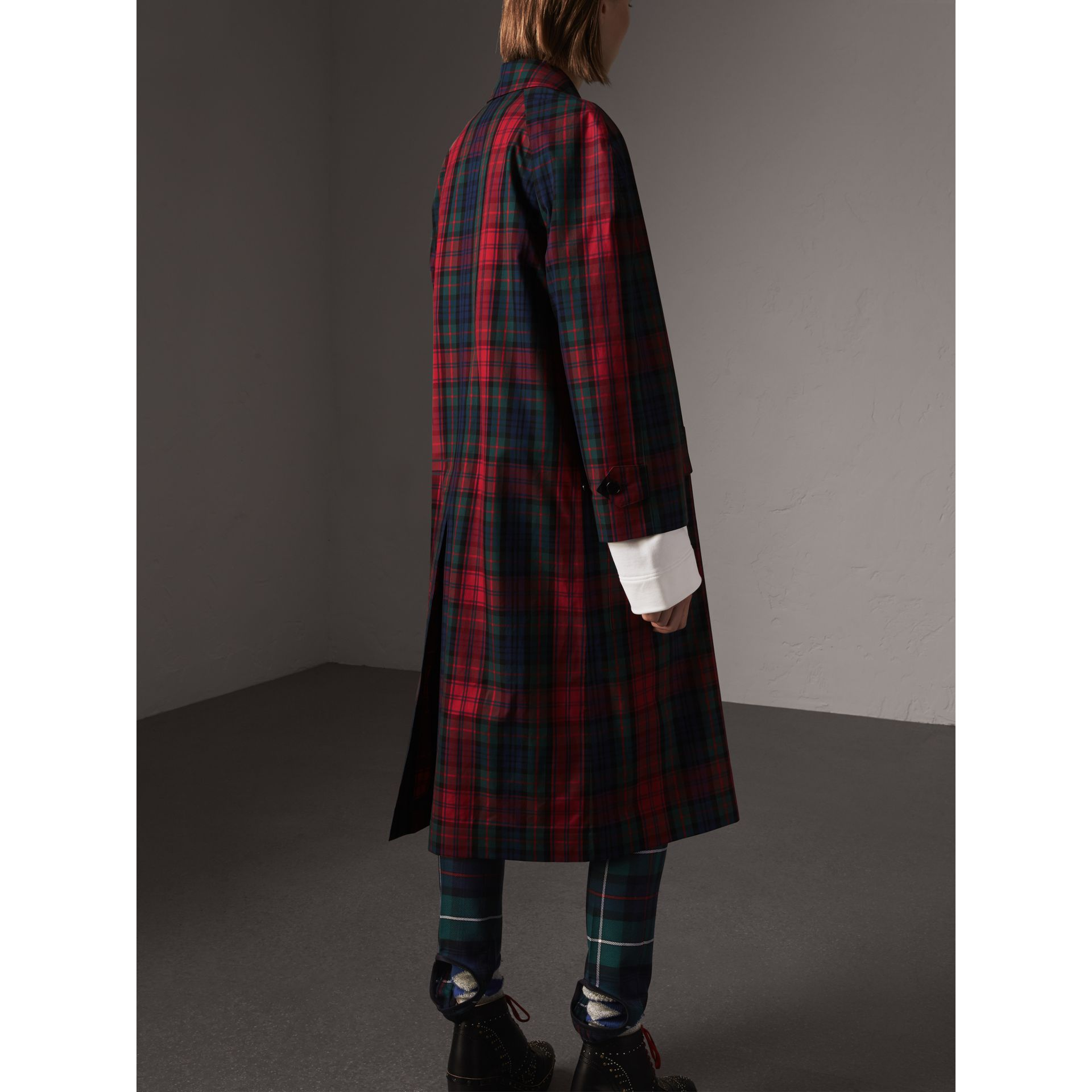 Tartan Cotton Gabardine Car Coat in Bright Red - Women | Burberry Singapore - gallery image 2