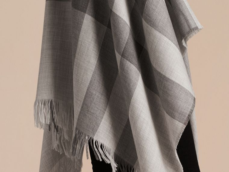 Lightweight Check Cashmere Poncho in Pale Grey - cell image 4