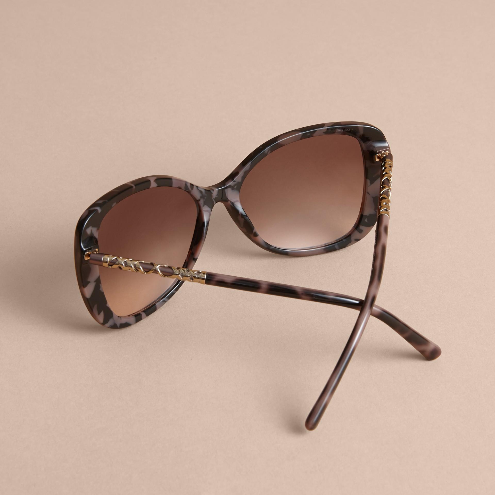 Check Detail Butterfly Frame Sunglasses Tortoiseshell - gallery image 4