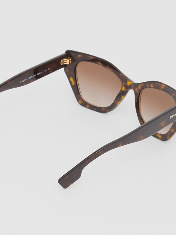 Butterfly Frame Sunglasses in Tortoiseshell - Women | Burberry Canada - cell image 3
