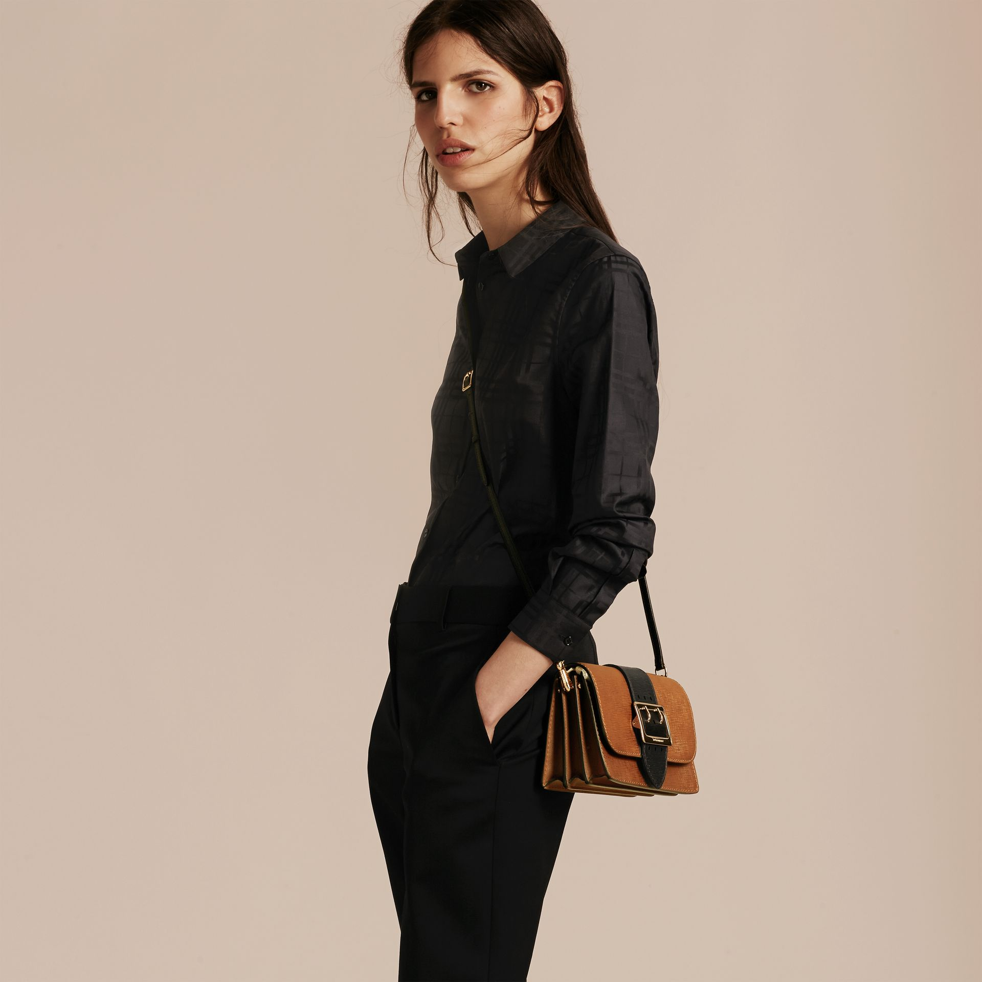 The Medium Buckle Bag in Textured Leather Tan/black - gallery image 3