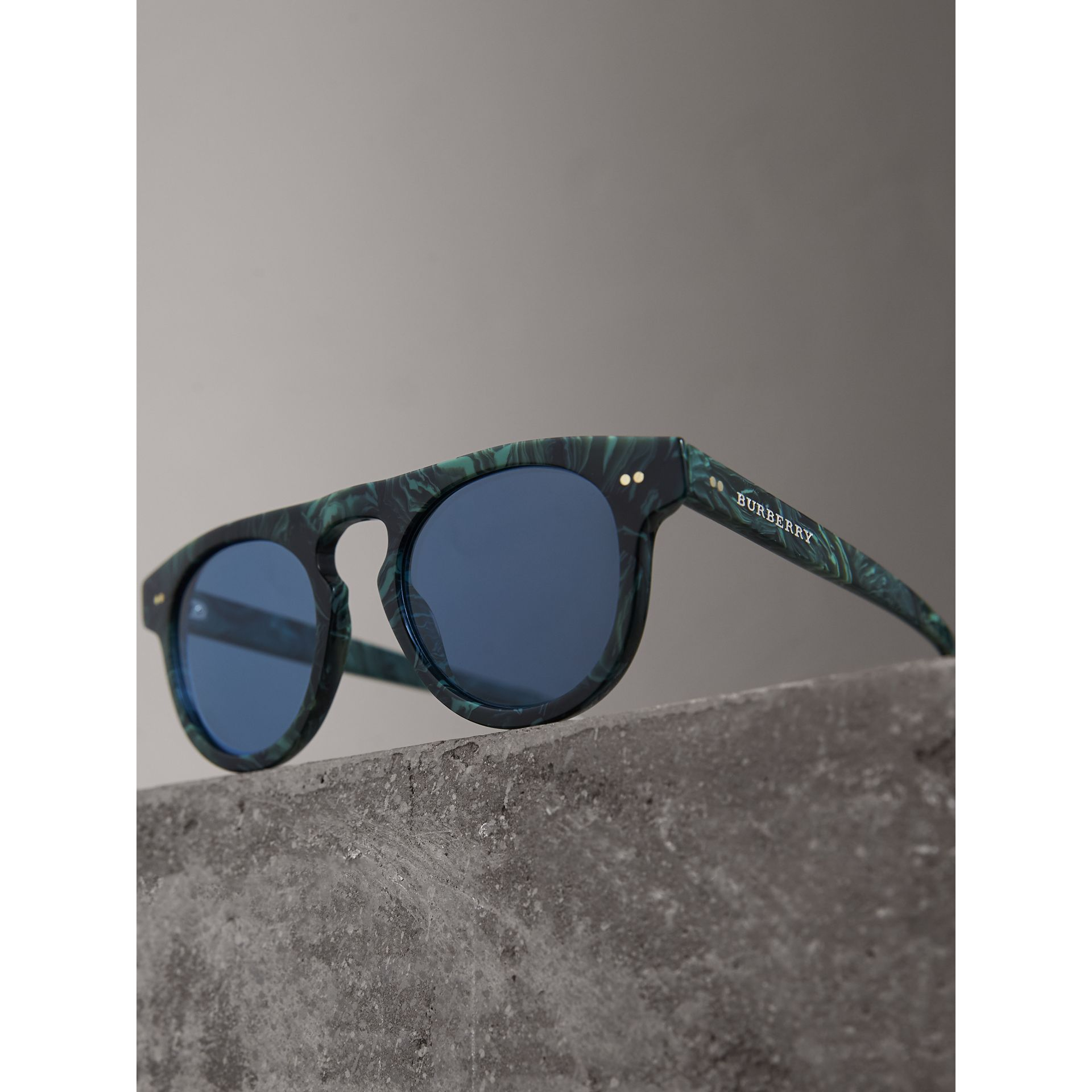 The Keyhole Round Frame Sunglasses in Green Marble/blue | Burberry Singapore - gallery image 2