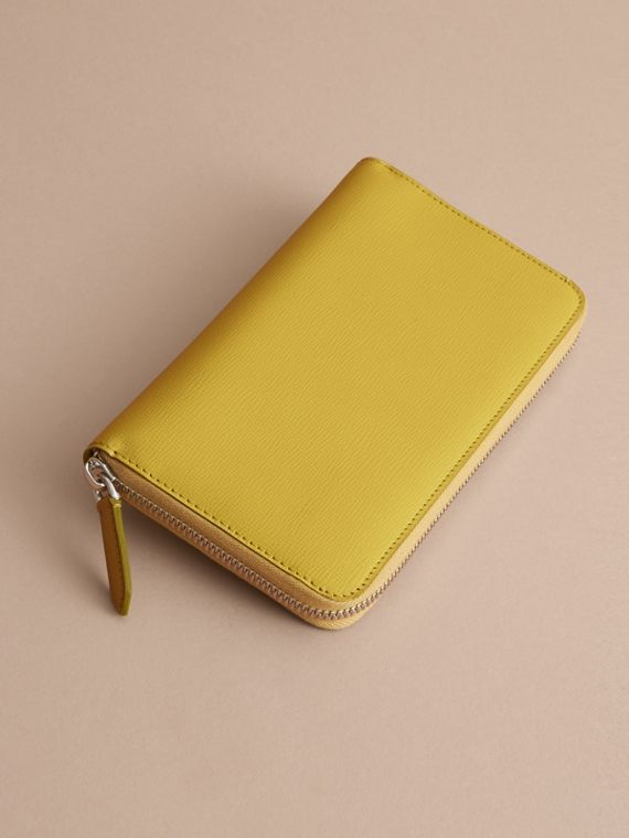 London Leather Ziparound Wallet in Bright Citrus | Burberry Australia - cell image 3