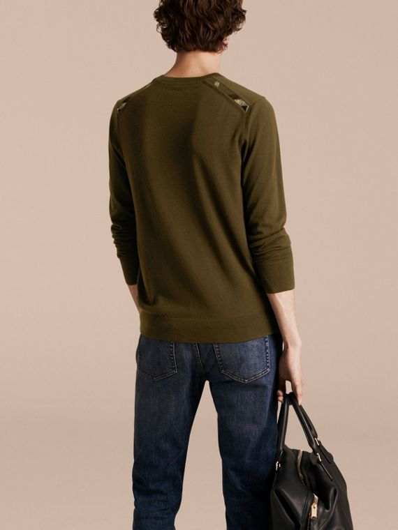 Military olive Lightweight Crew Neck Cashmere Sweater with Check Trim Military Olive - cell image 2