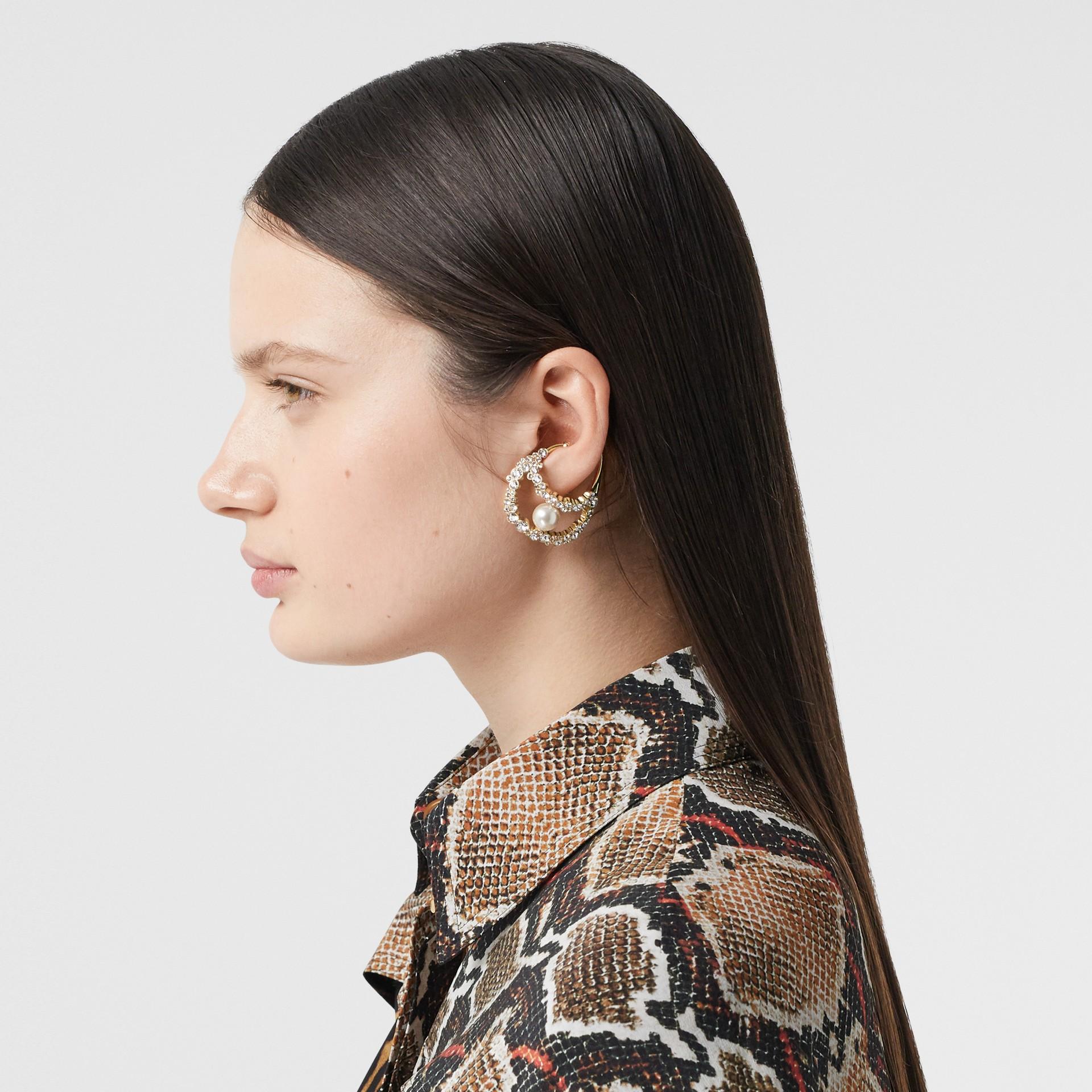 Manchette d'oreille plaquée or avec cristaux et perle en résine (Clair/cristal) - Femme | Burberry Canada - photo de la galerie 2
